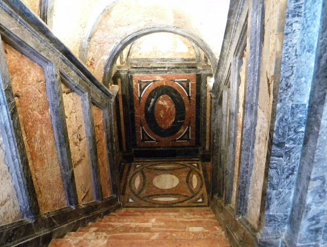 Cripta de San Francisco en Guadalajara - Destino y Sabor
