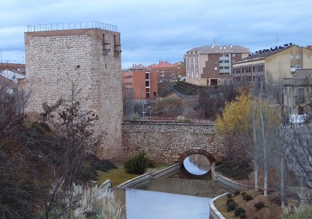 Torreón del Alamín y puente de las Infantas - Destino y Sabor