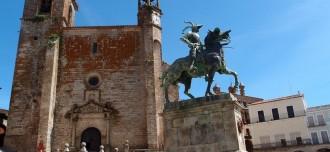 Estatua de Pizarro en Trujillo - Destino y Sabor