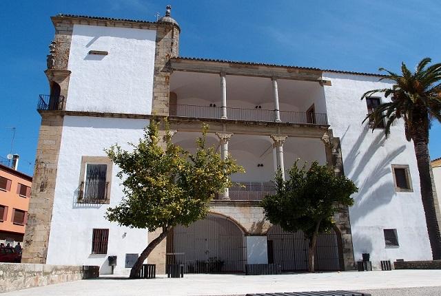 Palacio Teatro de Juan Pizarro - Destino y Sabor