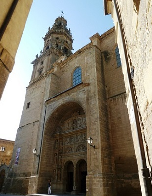 Torre de la Iglesia de Santo Tomás - Destino y Sabor