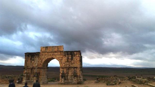 Arco de Caracalla saludando a las tierras marroquies - Destino y Sabor