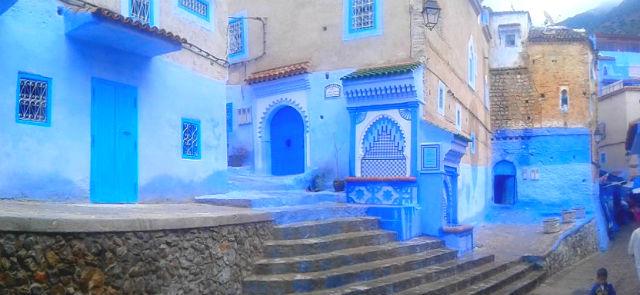 Calle de Chauen, que por su color azul son muy especiales - Destino y Sabor