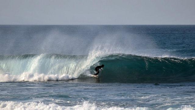 Práctica de surf en la Playa de Tonel - Imagen de Wavesensations