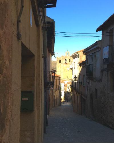 Calle que bajan hacia a la Catedral - Destino y Sabor