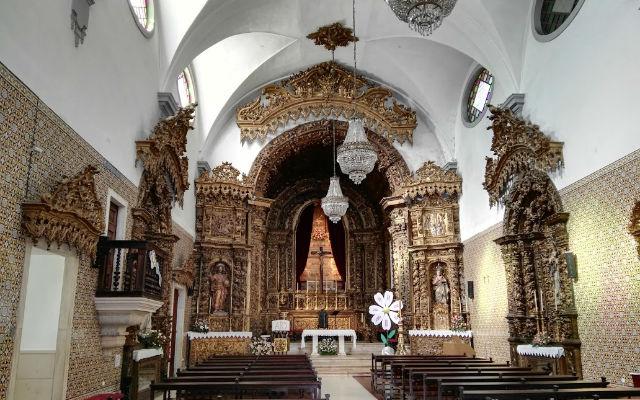 Interior de una Iglesia de Aveiro - Destino y Sabor