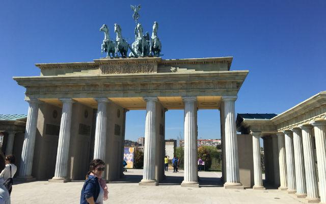 Puerta de Brandeburgo - Destino y Sabor