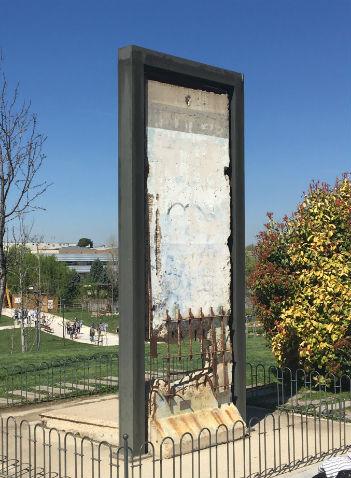 Trozo original del Muro de Berlín - Destino y Sabor