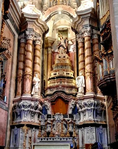 Retablo barroco de la Iglesia de los Clérigos - Destino y Sabor