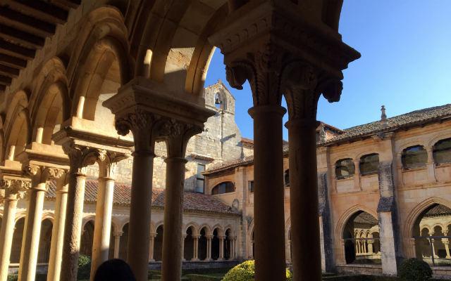 Claustro del Monasterio cisterciense de San Andrés - Destino y Sabor