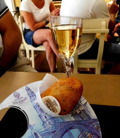 Pastel do bacalhau y vino de Oporto - Destino y Sabor