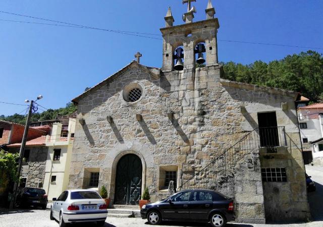 Iglesia de Granja do Tello - Destino y Sabor