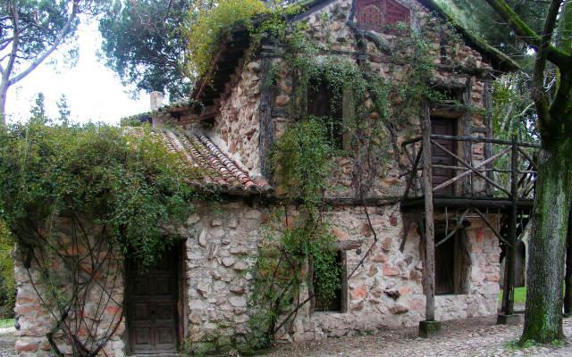 Casa del labrador, Casa Vieja en el Capricho - Destino y Sabor