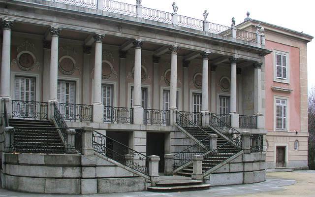 Palacio de El Capricho, en la Alameda de Osuna - Imagen de Wikipedia