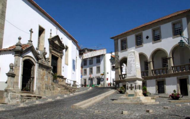Plaza e Igreja de São Vicente - Destino y Sabor