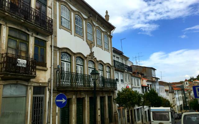 Casas de la Rua do Combatentes da Grande Guerra - Destino y Sabor