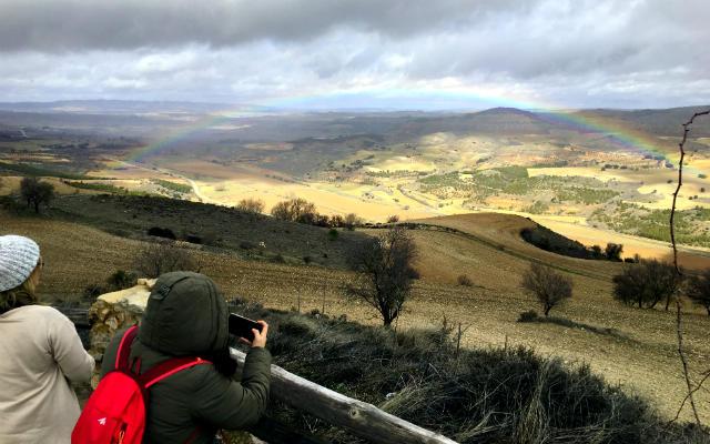 Mirador de Verdepino sobre el valle del Río Mayor - Destino y Sabor