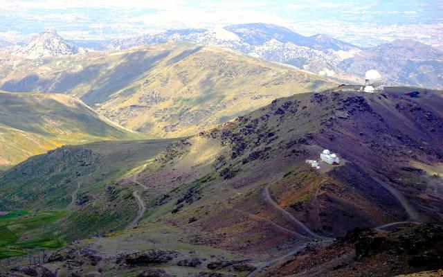 Observatorio astronómico desde lo alto del Veleta - Imagen de Lazarowhike