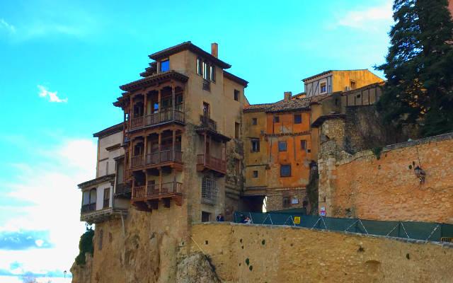 Casas Colgantes de Cuenca - Destino y Sabor
