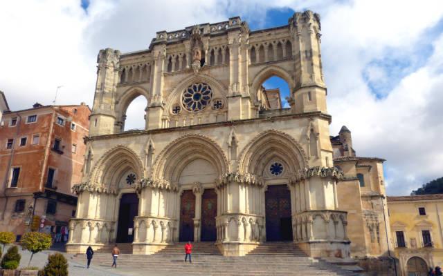 Fachada de la Catedral de Cuenca - Destino y Sabor