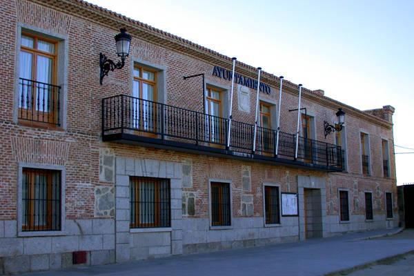 Ayuntamiento de Navas del Rey - Imagen de SierraOeste