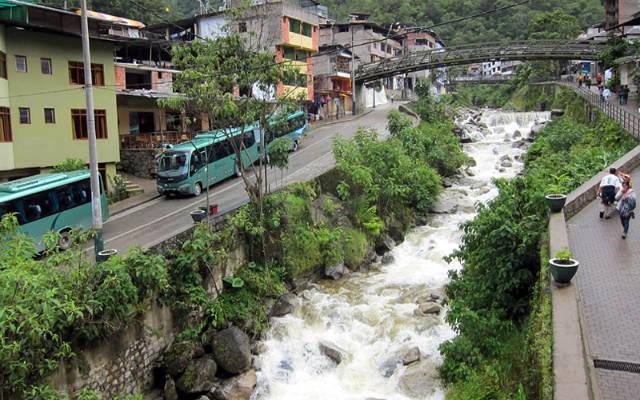 Buses en Aguas Calientes - Imagen de boletomachupicchu