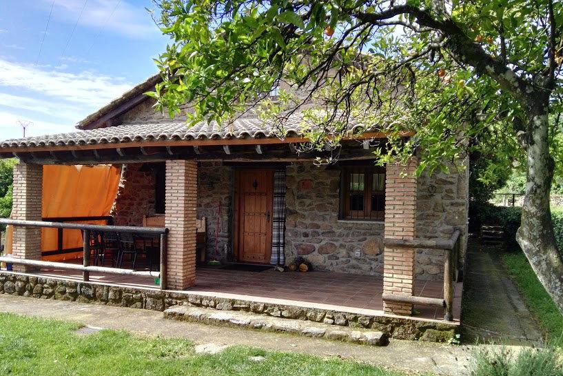 Fachada Casa Rural el Pilar en Acebo
