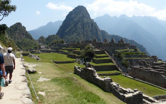 Llegando a Machu Picchu - Destino y Sabor
