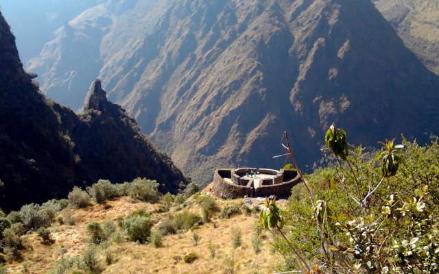 Observatorio de Runkurakay desde arriba - Destino y Sabor