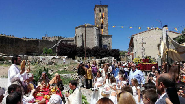 Fiesta del Corpus Christi en Buitrago de Lozoya - Imagen de la Parroquia de Santa María del Castillo de Buitrago