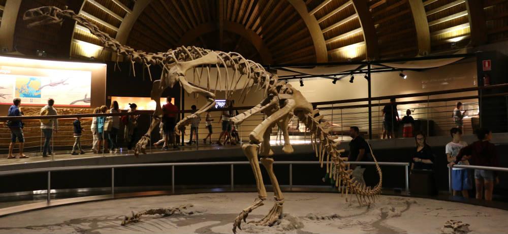 Visita Al Museo Del Jurásico Y Cueva Tito Bustillo En Asturias