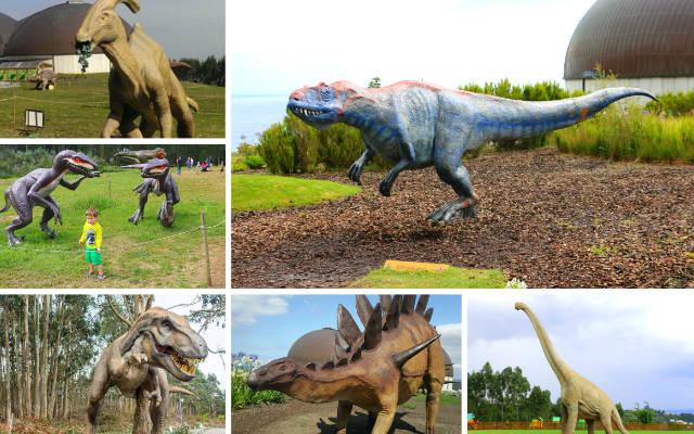 Maquetas de dinosaurios en el exterior del MUJA - Destino y Sabor