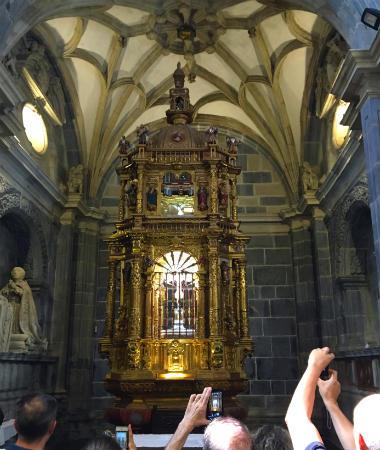 Capilla del Lignus Crucis de Santo Toribio de Liébana - Destino y Sabor