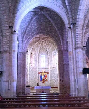 Interior de la Iglesia del Monasterio - Destino y Sabor