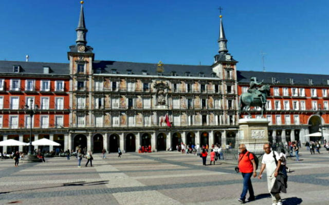 Plaza mayor de Madrid - Destino y Sabor