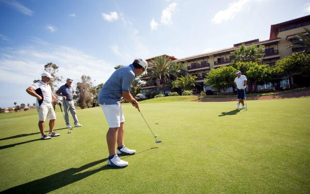 Practicando Golf en la República Dominicana