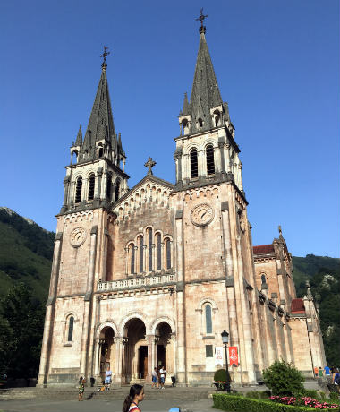 Basílica de Covadonga - Destino y Sabor