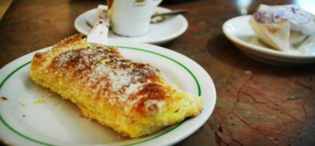 Travesseiros, pastelitos de hojaldre típicos de Sintra