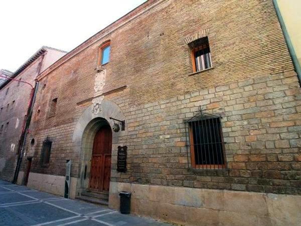 Albergue de peregrinos del Camino de Santiago en Pamplona Jesús y María - Imagen de Camino de Santiago en Navarra