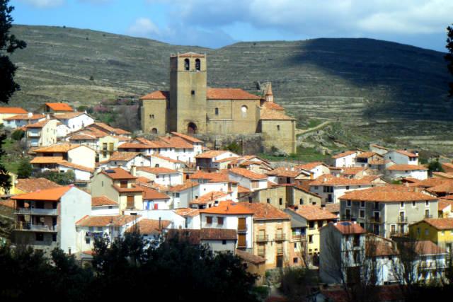 Vistas de Enciso, con su iglesia de Santa María de la Estrella - Imagen de Wikipedia