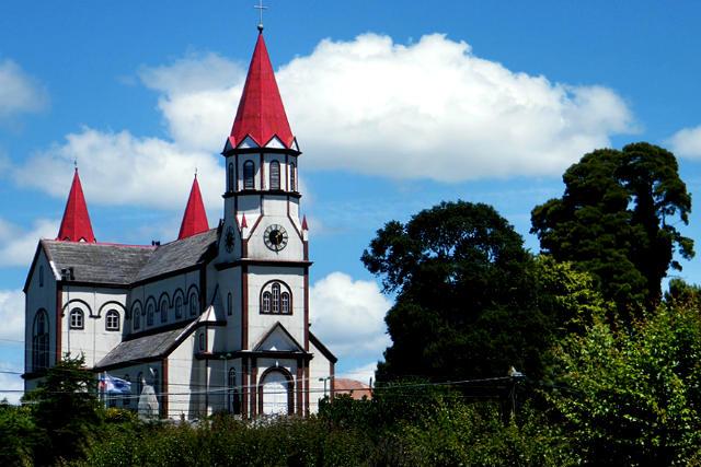Iglesia del Sagrado Corazón de Jesús de Puerto Varas - Imagen de Leon Calquin