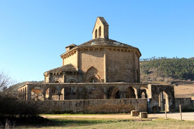 Llegada a la Iglesia de Santa María de Eunate - Destino y Sabor