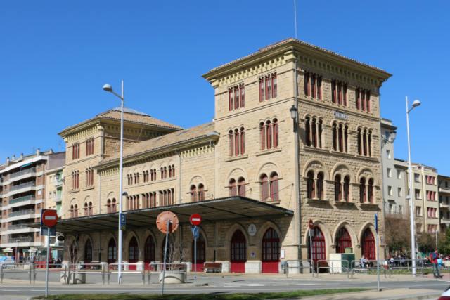 Antigua estación ferroviaria reconvertida - Destino y Sabor