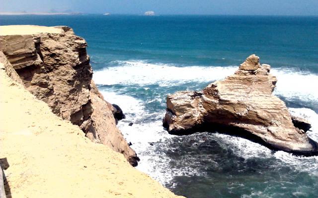Estado actual de La Catedral en la Península de Paracas - Destino y Sabor