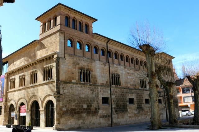 Antiguo palacio de los Reyes de Navarra en Estella - Destino y Sabor