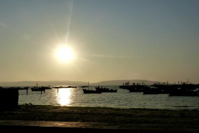 Atardecer en Paracas - Destino y Sabor