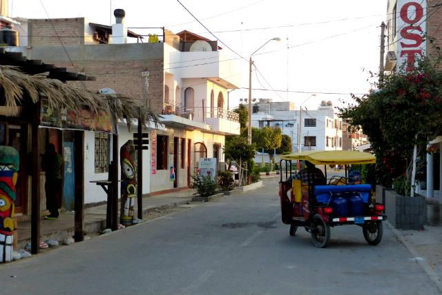 Calles de Paracas - Destino y Sabor