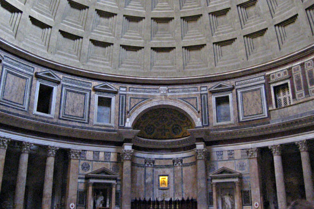 Interior del Pantheon - Destino y Sabor