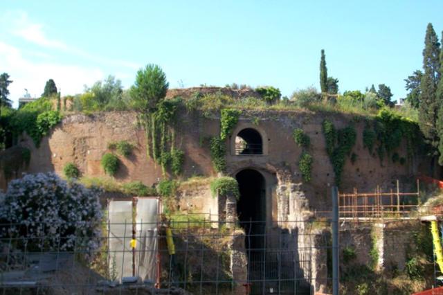 Mausoleo de Augusto en Roma - Destino y Sabor
