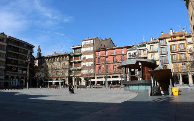 Plaza de los Fueros de Estella - Destino y Sabor